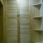 деревянный шкаф-жалюзи
